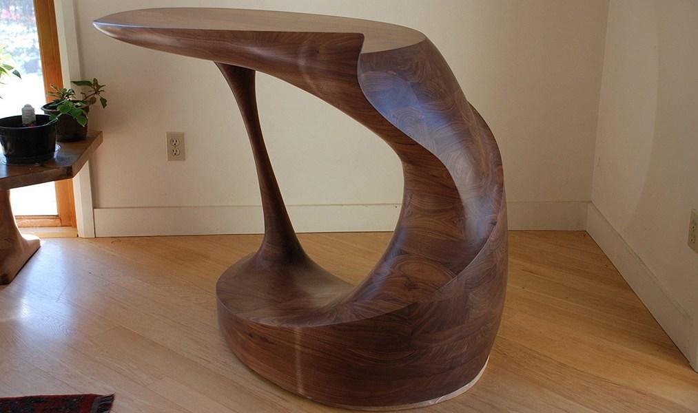 1—Gyro-Foyer-table