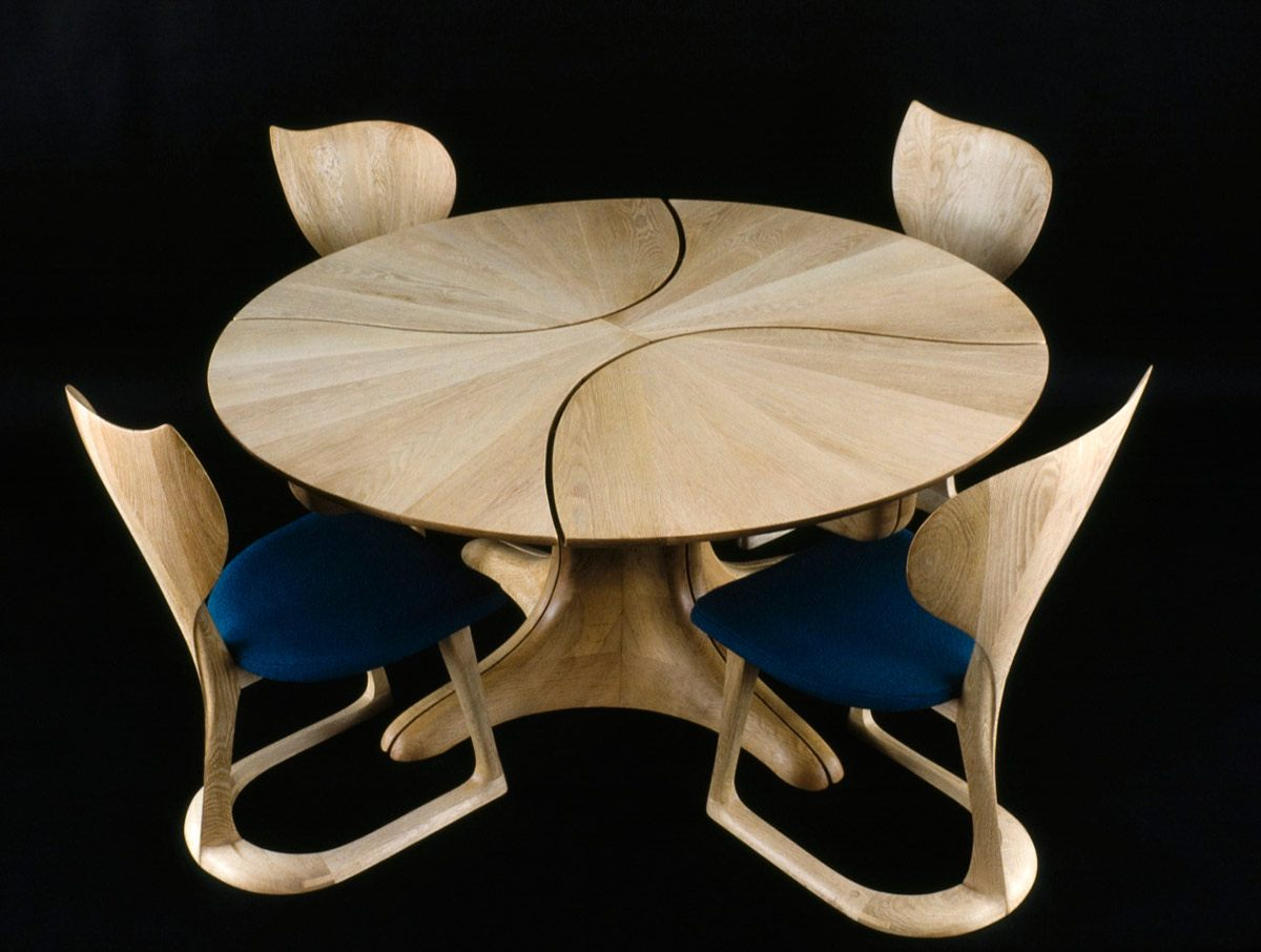 Lotus-Chair-with-Lily-Pad-II-Table