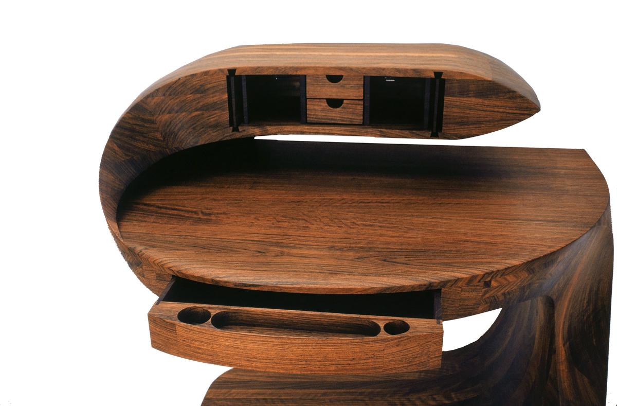 cobra-desk-detail-rev
